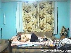 Скрытая камера снимает домашний секс зрелой развратницы с женатым соседом