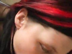 Анальный секс с любительским минетом и окончанием внутрь рыжей толстухи