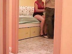 Подглядывание жёсткого домашнего секса с латинской красоткой в постели