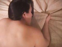 Домашний секс с окончанием в нежный рот грудастой зрелой соблазнительницы
