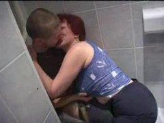 Русская зрелая домохозяйка после куни трахается с молодым квартирантом