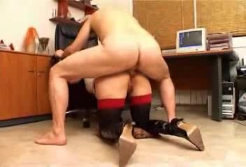 Любительский анальный секс с окончанием на большие сиськи рыжей зрелой дамы