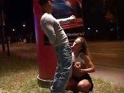 Вечером на улице немецкая шлюха сделав любительский минет раздвинула ноги