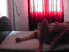Любовник перед вебкамерой трахает зрелую француженку и лижет мокрую киску
