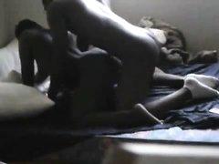 Негритянка с большой попой перед скрытой камерой занялась домашним сексом _part2