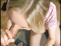 Грудастая молодая блондинка сделав любительский минет трахается в киску