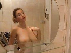 Домашний секс молодой массажистки с большими сиськами со зрелым клиентом