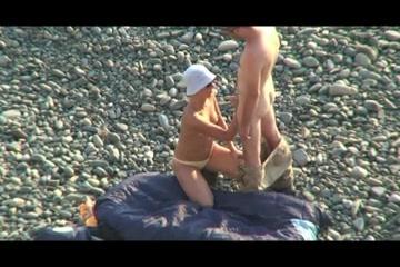 Секс на пляже по русский