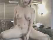 Жена с силиконовыми сиськами обожает анальный секс