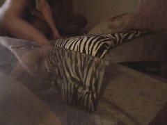 Негритянка снимает на скрытую камеру свой секс с белым любовником