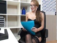 С любимой секретаршей в офисе и от первого лица