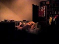 Скрытая камера засняла как блондинка лесбиянка делает кунилингус своей любовнице