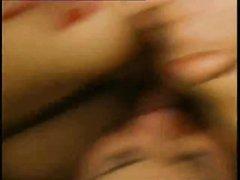 Ретро хардкор с любовником лизавшим волосатую киску и трахнувшим зрелую даму