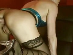 Любительский анальный секс с куни и минетом перед вебкамерой с блондинкой