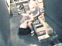 Подглядывание лесбийского секса с участием похотливых блондинок делающих куни