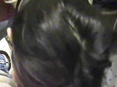Молодая брюнетка с большими сиськами сделала домашний минет от первого лица