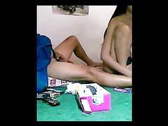 Скрытая камера записывает похотливую азиатку трахающуюся с любовником