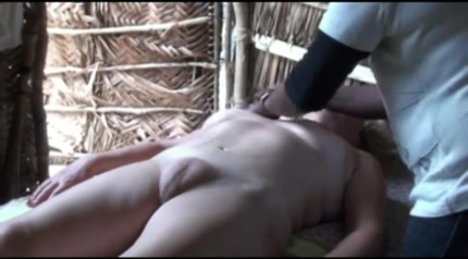 Трахают массажисстку на скрытую камеру