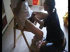 Немецкая домохозяйка перед скрытой камерой строчит минет и трахается