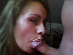 Блондинка возбудившись от домашней мастурбации жёстко трахается с соседом