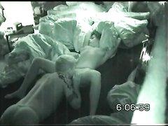 Похотливая девушка перед скрытой камерой занялась домашним сексом с соседом