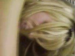 Любовник жёстко трахнул блондинку с большими сиськами и кончил на лицо