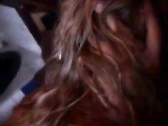 Любительский секс с окончанием на лицо загорелой блондинки с маленькими сиськами