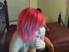 Домашний секс втроём с похотливой женой и её рыжей подругой перед вебкамерой