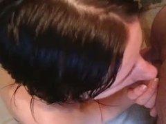 Молодая шлюха сделав домашний минет трахается от первого лица в волосатую киску