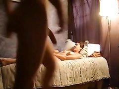 Любовник лижет клитор молодой красотке и трахает её после мастурбации и минета