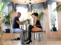 Любительский секс с минетом и окончанием на лицо зрелой немки с большими сиськами