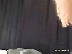 Мастурбация и жёсткий любительский анал с окончанием внутрь блондинки