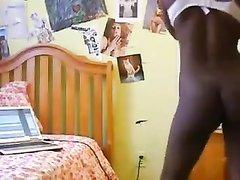 Любительский стриптиз грудастой молодой негритянки перед вебкамерой