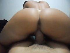 Шикарный домашний секс от первого лица с окончанием внутрь зрелой дамы