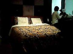 Супружеская измена азиатки трахающейся перед скрытой камерой с любовником