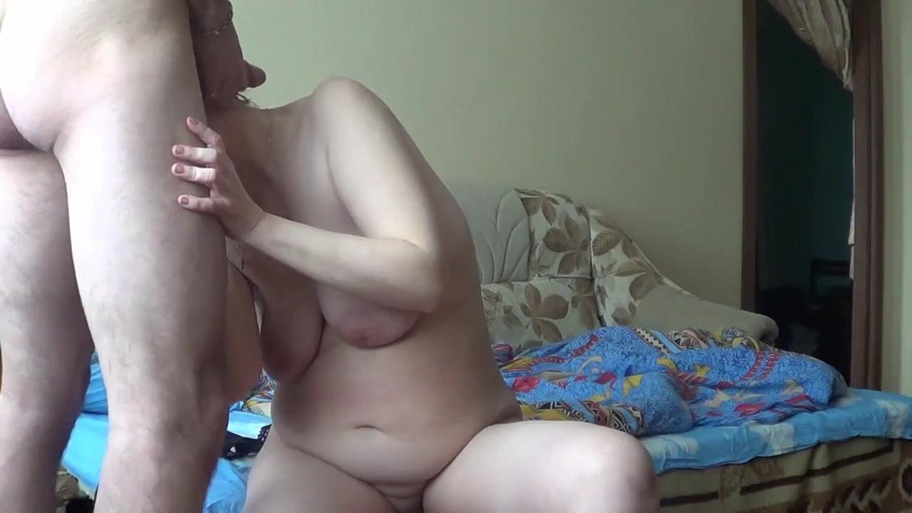 Минет с куни и домашний секс с русской зрелой толстухой перед скрытой камерой