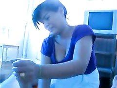 Азиатская массажистка с большими сиськами от первого лица дрочит член