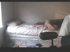 Брюнетка перед скрытой камерой сосёт член и трахается с любовником