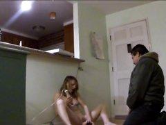 Подглядывание любительской мастурбации зрелой дамы перед незнакомцем