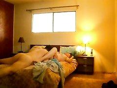 Подглядывание по скрытой камере за зрелой толстухой севшей на лицо любовника