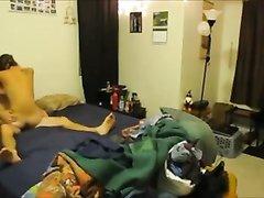 Куни с минетом перед домашней скрытой камерой с молодой шлюхой