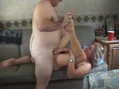 Групповой любительский секс зрелых свингеров на съёмной квартире