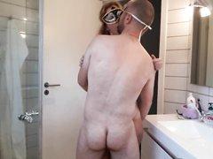 Скрытая камера снимает домашний секс со зрелой толстухой в маске