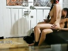 Молодой хахаль перед скрытой камерой трахнул зрелую любовницу