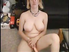 Кастинг с домашней мастурбацией волосатой киски грудастой блондинкой