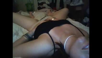 skritaya-kamera-zapisala-masturbatsiyu-kartinki-porno-s-kuklami