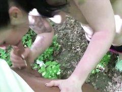 В лесу грудастая немка сосёт члены и трахается с любовниками