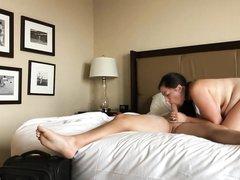 Домашнее подглядывание за супружеской изменой зрелой грудастой толстухи