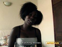 Минет и домашний анал с окончанием на лицо молодой негритянки