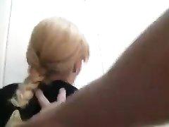 Потрясающий домашний анал с фигуристой блондинкой отсосавшей член